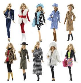 Lindas bonecas, bichinhos de pelúcia e acessórios